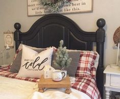 Luxurious Christmas Bedroom Decor Ideas 49