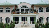 Ideal für den klassischen Ästheten - mehr Informationen unter: www.fensterfrank.de Mansions, House Styles, Home Decor, Environment, Traditional Design, Windows And Doors, Architecture, Decoration Home, Manor Houses
