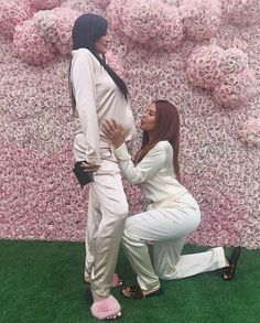 Miss Kylie Jenner is now the ultimate,,,M. Congratulations Kylie you're the best sweetheart without a doubt you will be a ! Kylie Jenner Pregnant, Kylie Jenner Fotos, Trajes Kylie Jenner, Estilo Kylie Jenner, Kylie Jenner Outfits, Kylie Jenner Style, Kardashian Style, Kardashian Jenner, Kourtney Kardashian