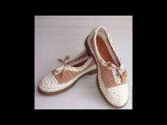 Amiga en este tutorial te enseño a tejer este precioso CHALECO MARLENE TEJIDO - En gancho fácil y rápido - Tejiendo con LAURA CEPEDA Necesitas 300 gr de Baby... Crochet Sandals, Crochet Shoes, Love Crochet, Knit Crochet, Homemade Shoes, Make Your Own Shoes, Crochet World, Knitted Slippers, Crochet Videos
