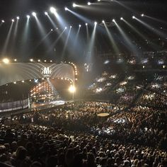 Full house tonight! #cmaawards