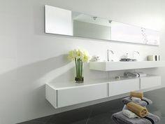 La ceramica costituisce una della scelte migliori per il rivestimento delle pareti grazie all'elevata resistenza e facilità di pulizia.