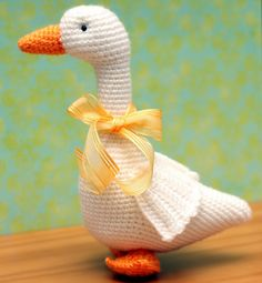 Godfrey Goose crochet pattern by Annies Crochet Newsletter Sept-Oct ... www.sendsomeoneasmile.com