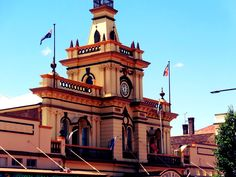 The beautiful old Town Hall of Glen Innes  Sunday 11th December 2016 Forecast temperature: 9 - 23 degrees Daily forecast: Partly cloudy. Slight (20%) chance of a shower in the afternoon and early evening. The chance of a thunderstorm in the afternoon. Light winds. Overnight temperatures falling to between 8 and 15 with daytime temperatures reaching 22 to 28.