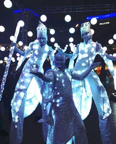 The Ice Wizards are a unique trio performing worldwide for weddings, winter festivals, corporate events, Christmas parties, Bonfire Night and product launches. You can combine crystal ball with stilts all in stunning eye catching LED Very Merry Christmas Party, Christmas Party Outfits, Christmas Party Decorations, Christmas Parties, Red And Gold Christmas Tree, Exhibition Stand Design, Corporate Event Design, Corporate Party Ideas, Winter Festival