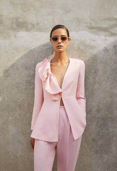 Get inspired and discover Delpozo trunkshow! Shop the latest Delpozo collection at Moda Operandi. Pink Fashion, Urban Fashion, Fashion Dresses, Womens Fashion, Fashion Trends, Fashion 2018, Fashion Shoes, Pink Suit, Blazer Fashion