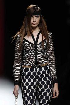 María Escoté Polka Dot Top, Sexy, Women, Fashion, Neckline, Walkway, Spring Summer, Moda, Fashion Styles