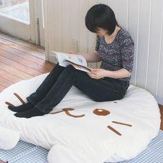 <マザーガーデンネットショップ限定>しろたん癒しのメガクッション枕130cm×118cm【送料無料】 sirotan