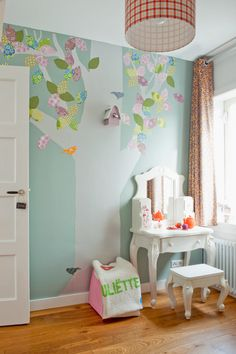 Meisjes slaapkamer on pinterest woodland bedroom bird houses and b - Baby slaapkamer deco ...