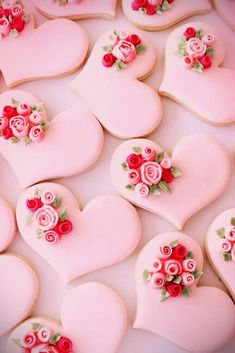 DIY valentine's day gifts this year! Try out these 12 DIY valentine's day gifts you can make with love and care. Valentines Bricolage, Be My Valentine, Valentine Day Gifts, Pretty In Pink, Pink Love, Menu Saint Valentin, Peggy Porschen Cakes, Pink Foods, Valentine Cookies