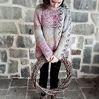 Log in Season& treats / DROPS Extra - free knitting patterns by DROPS design Record of Knitting Yarn rotating, weav. Baby Knitting Patterns, Crochet Patterns, Drops Design, Knitting Socks, Free Knitting, Free Crochet, Crochet Dinosaur, Dinosaur Pattern, Circular Knitting Machine