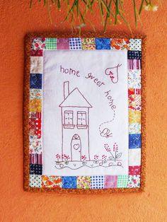 """Panô de Parede """"Home Sweet Home""""  Bordado à mão, barrinha trabalhada em patchwork.  20,5 x 28 cm"""