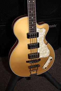 Hofner Custom Shop Tom Petersson 500/2 Club Bass