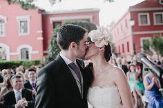 El beso de los novios.