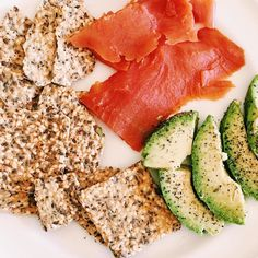 Yum! Put the crunch back into your #diet with our  #lowcarb #keto #paleo #paleodiet #paleocrackers! Completely #glutenfree #grainfree #paleo #crackers / Our Paleo Thin Crackers have a delicious seedy crunch that completely satisfy that crunchy need you want without the junk/rice/GMO's/ that other crackers contain. Packed with flavor and that crunch you have been missing! Get Free Shipping Nationwide/ Goto: www.PaleoThin.com @julianbakery also avail on #Amazon #amazonprime and online at…