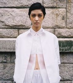 Los blancos en capas: S / S 15 China ropa de mujer nueva tendencia