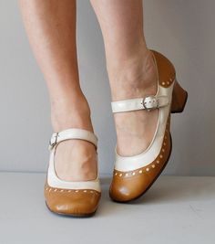 Mary Janes / 1960s shoes / mod 60s shoes / Miss by DearGolden.......oh how sweet! :D