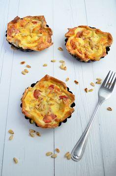 Ik hou van quiche caprese, een lekkere hartige taart met tomaat en mozzarella.