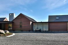 Invercargill House, Southland by Mason & Wales Architects Modern Barn House, Interesting Buildings, House Goals, Residential Architecture, Architecture Details, Exterior Design, Building A House, Building Ideas, Building Materials