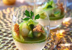 La gelée de concombre et riz soufflé au caramel par Yves Camdeborde  Epatez les papilles de vos invtés avec ce dessert à la fois fondant et croustillant !    Voir la recette de la gelée de concombre et de son riz soufflé