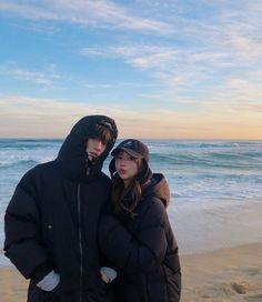 It& very cold . Cute Couples Goals, Couple Goals, Couple Style, Korean Wedding Photography, Breastfeeding Photos, Aesthetic Japan, Role Player, Cute Korean Boys, Korean Drama Movies