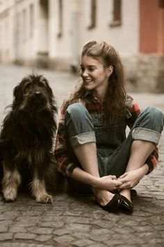Image about girl in In everything I find something beauty by ERZË – girl photoshoot poses Story Inspiration, Writing Inspiration, Character Inspiration, The Secret Garden Characters, Salopette Jeans, Photo D Art, Dog Names, Storyboard, Belle Photo