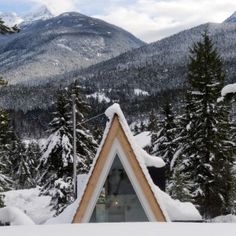 A-frame cabin in Whistler, Vancouver; Architects: Scott and Scott Cabin Fever. Browse inspirational photos of modern homes. From midcentury modern to prefab housing and renovations, these stylish spaces suit every taste. A Frame Cabin, A Frame House, Getaway Cabins, Winter Cabin, Modern Spaces, Small Spaces, Dezeen, Cabin Fever, Whistler
