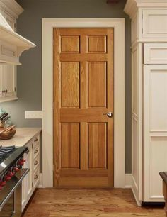 home has oak trim with matching 6 panel doors throughout.trying to find good examples of how white trim (because I really want to pain all the trim white!) works with oak doors (without having to replace the nice new doors! 6 Panel Doors, The Doors, Front Doors, Screen Doors, Kitchen Cabinet Colors, Kitchen Colors, Kitchen Paint, Kitchen Grey, Kitchen Ideas