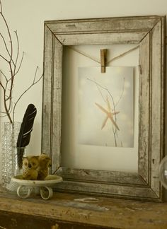 clip in frame...easy way to change out art