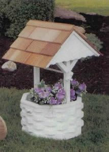 Amish Outdoor Country Pine White Painted Wishing Well
