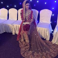 Dupatta style with slight hair showing Beautiful Bridal Dresses, Desi Wedding Dresses, Pakistani Wedding Outfits, Pakistani Bridal Dresses, Bridal Outfits, Indian Outfits, Bridal Gowns, Wedding Poses, Asian Bridal