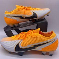 Best Soccer Cleats, Basketball Pants, Nike Cleats, Nike Football, Football Cleats, Nike Tennis Shoes, Running Shoes Nike, Mens Nike Air, Nike Air Vapormax