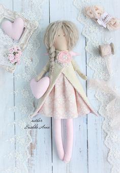 Куклы и игрушки в НАЛИЧИИ