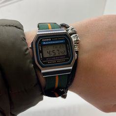 Casio Digital, Digital Watch, Rolex Watches For Sale, Watches For Men, Electronic Circuit Design, Latest Watches, Watch Sale, Casio Watch, Timeless Design
