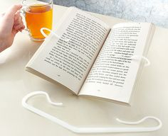 Any DIY ideas? Book Holders, I Want To Know, Sweet Home, Tableware, Books, Diy Ideas, Check, Dinnerware, Libros