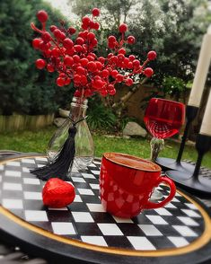 Brown Coffee, I Love Coffee, Coffee Cafe, Coffee Drinks, Turkish Coffee, Flower Aesthetic, Food Presentation, Wonderful Places, Tea Time