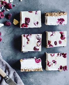 RASPBERRY & WHITE CHOCOLATE SLICE by @sobeautifullyraw 💗  Makes 6-8 pieces  Base: 1 cup almonds 1 cup coconut flakes 1 cup medjool dates, pitted 1/2 tsp salt  Filling: 2.5 cups cashews, soaked overnight 3/4 cup coconut milk 1/2 cup agave nectar or maple syrup 1/2 cup water 1/3 cup melted cacao butter 1/3 cup melted coconut oil 2 tsp pure vanilla extract with seeds 1 cup frozen raspberries  To make the base, simply pulse the almonds, coconut flakes and salt in a food processor until a fine…