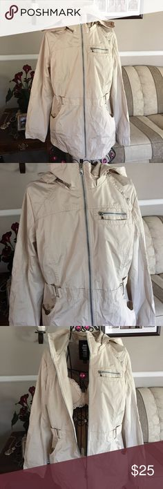 d.e.t.a.i.l.s. Jacket Brand new Brand new never worn details jacket ‼️💋👌Cream in color size Medium is great for rainy days or the nights on the beach 🌊 d.e.t.a.i.l.s. Jackets & Coats Utility Jackets