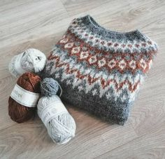 Fair Isle Knitting Patterns, Sweater Knitting Patterns, Hand Knitting, Yarn Crafts, Diy And Crafts, Arts And Crafts, Icelandic Sweaters, Free Pattern, Knit Crochet