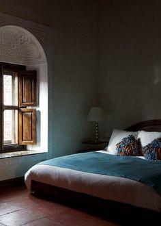 Petrol color as wall paint and deco - Best Home Designs Home Design, Decor Interior Design, Dream Bedroom, Home Bedroom, Bedroom Decor, Sombre, Beautiful Bedrooms, Decoration, Interior And Exterior