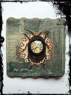 #Grußkarte #Vintage #Gothic #Steampunk #Käfer #Uhr #VivelaVigo Wood Watch, Steampunk, Gothic, Clock, Wall, Vintage, Accessories, Home Decor, Cards