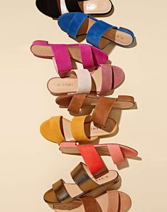 Discover the selection of Italian shoes for women that we have waiting for you. Italian Sandals, Italian Shoes, Flat Lay Photos, Italian Men, Italian Leather Shoes, Fashion Shoot, Lady, Me Too Shoes, Handmade