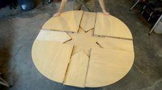 Стол, который можно раздвинуть простым движением руки. Демонстрация стола и работы его механизма