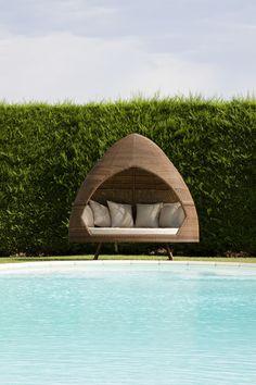 Garden Furniture Pod miadomodo poly-rattan sun lounger indoor outdoor garden sofa day