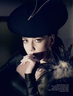 Daisy Lowe by Yuval Hen for Schön! #15 #beret