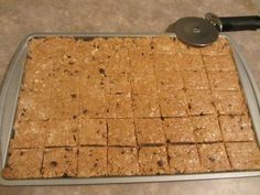 Homemade Protein Bars *Protein powder *Ground flaxseed *Quick cooking oats *Shredded coconut *Nuts *Chocolate chips  *Honey *Peanut butter *Water