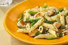 DaVita dietitian Jill presents a zesty and kidney-friendly taste of Italy and Greece that's excellent for lunch or dinner, Feta Pasta with Chicken and Asparagus.