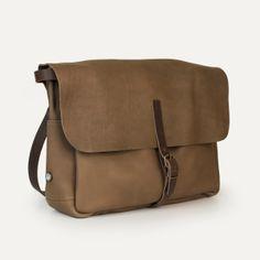 Sac postier Joris, Taupe - Postman bag Joris, Taupe. Bleu de Chauffe. Sac cuir homme made in France #satchel #man #bag #leatherbag