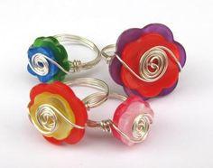Divertidos anillos de alambre con botones - IMujer