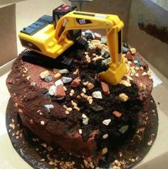 DIY Toddler boy birthday cake - We love and had to share! Toddler Boy Birthday, Birthday Fun, Birthday Cakes, Birthday Ideas, Cake Decorating Magazine, Digger Cake, Cupcake Cakes, Cupcakes, Cakes For Boys